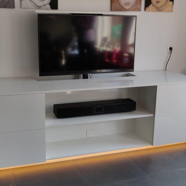 Tv dressoir met tv lift op maat